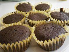 Csodás csokis muffin Muffins, Cupcakes, Cake Recipes, Goodies, Sweets, Breakfast, Food, Diy Cake, Dump Cake Recipes