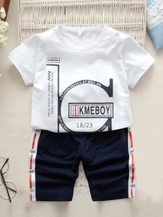 Toddler Boys Slogan Print Tee With Contrast Side Shorts Toddler Boy Fashion, Toddler Boy Outfits, Toddler Boys, Kids Fashion, Printed Tees, Printed Shorts, Shirt Print Design, Kids Prints, Outfit Sets
