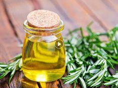 Non, l'usage de l'huile d'olive ne se limite pas à notre alimentation. Elle permet aussi de prendre soin de notre maison au naturel. Découvrez nos astuces...