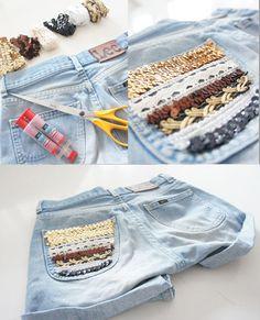 Hai dei vecchi pantaloni in jeans che non metti più? Non buttarli via ma riciclali. Puoi tagliare via le estremità e trasformarli in shorts e pantaloncini sexy, freschi e super-glamour.