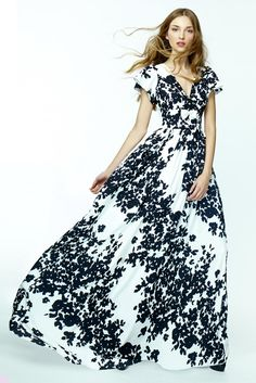 Dolores Promesas, gorgeous floral black and white gown.