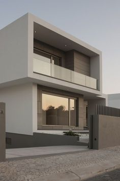 Paulo Rolo House / Inspazo Arquitectura FACHADA