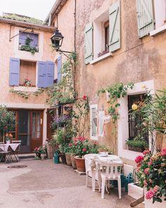 :: Provence, France ::