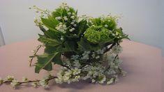 Blumendekoration zur Gartenparty  Tischdekoration  selber machen  ❁ Deko... Table Centerpieces, Table Decorations, Diy Vintage, Simple Flowers, Floral Arrangements, Pergola, Plants, Inspiration, Shabby