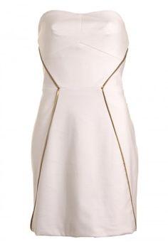vestido com detalhes dourados - um luxo