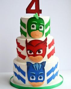 Create the best superhero party with these 13 Fun PJ Masks Party Ideas. Find ideas for the cake, decorations, favors, and more. 3rd Birthday Parties, Girl Birthday, Birthday Ideas, Torta Pj Mask, Pjmask Party, Party Ideas, Fun Ideas, Pj Masks Birthday Cake, Bolo Super Mario