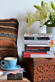 № 10 reading list & latte · Lisa Hjalt