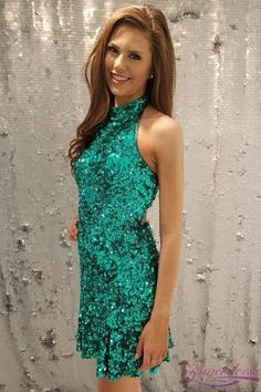 Prom Dress Beautiful, Sheath Round Neck Green Sequined Homecoming Dress with Open Back, Discover your dream prom dress. Our collection features affordable prom dresses, chiffon prom gowns, sexy formal gowns and more. Find your 2020 prom dress Best Formal Dresses, Popular Dresses, Short Dresses, Formal Gowns, Dress Long, Green Party Dress, Sequin Party Dress, Green Homecoming Dresses, Prom Dresses
