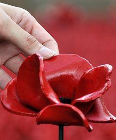 amapolas ceramicas Gran Bretaña honra a los caídos en la Gran Guerra - Buscar con Google