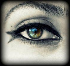 Fishy Eye make up Dramatic eyes Hazel eyes