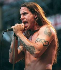 Anthony Kiedis. Red Hot Chilipeppes