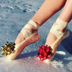 Olivia Jaynes in her Bloch pointe shoes with an added Christmas effect ❄️ Pointe Shoes, Ballet Shoes, Dance Shoes, Ballet Dance, Christmas Dance, What Is Christmas, Olympians, Lace Up, Photoshoot