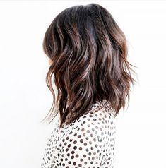 For a tousled, beachy texture, try this style. The very choppy layered look, with ragged tips and jagged outlines, gives straight hair an edgy feel.