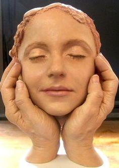 Hyper-Realistic Sculptor, Carole Feuerman: Mastering the Human ...