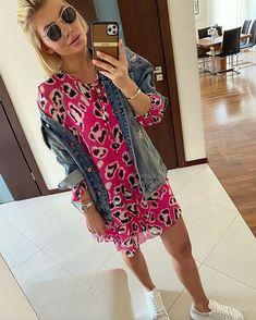 Karolina Franek (@karola_franek) • Instagram photos and videos Kimono Top, Spring Summer, Photo And Video, Videos, Casual, Photos, Instagram, Tops, Women