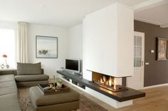 Afbeeldingsresultaat for wall units with fireplace and tvafbeeldingsresultaat Wall Units With Fireplace, Modern Fireplace, Fireplace Wall, Fireplace Design, Living Tv, Interior Decorating, Interior Design, House Rooms, Home Renovation