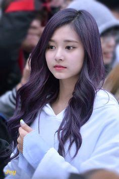 Gifts that Keeps On bouncing Early morning BooBers be a bouncing Kpop Girl Groups, Korean Girl Groups, Kpop Girls, Korean Beauty, Asian Beauty, Prity Girl, Tzuyu Twice, Beauty Full Girl, Beautiful Asian Girls