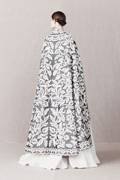 flatbear: pivoslyakova: Alexander McQueen | Pre-Fall 2013 I can't get over the aesthetic in the new collection. It's fucking stunning.