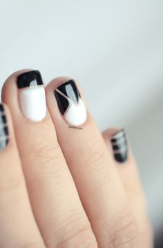 black and white nails done with nail tape: so trying this