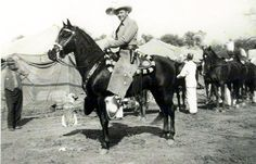 Western Movie & TV Photos from The Golden Age Best Country Music, Country Music Artists, Tex Ritter, Im Your Huckleberry, Great Western, Cowboy And Cowgirl, American Actors, Golden Age, That Way