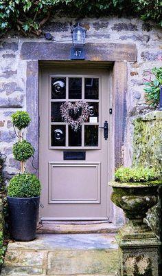 19 Ideas for rustic front door entrance portal Front Door Entrance, Front Door Colors, Doorway, Grand Entrance, Cottage Front Doors, Cottage Door, Cozy Cottage, Portal, Lavender Cottage