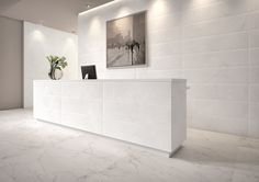Blog da Revestir.com: Elegante Carraca A Roca Cerâmica lança a Série Madri, revestimento que recria a elegância das nuances do mármore Carrara, com relevo bisotê.