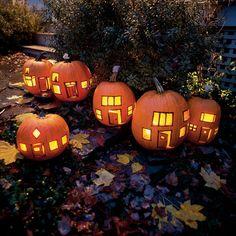 Decorate the garden with a gorgeous Hallowe'en Pumpkin Village