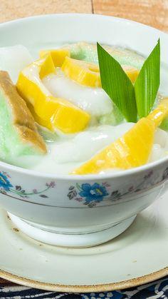 Recipe for Kuah Santan Fresh Bread - Dar Curtis Sweets Recipes, Cooking Recipes, Tastemade Recipes, Asian Desserts, Dessert Drinks, Diy Food, Street Food, Food Videos, Fresh Recipe