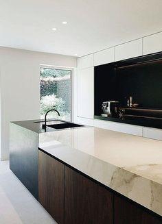 Modern Kitchen Design Modern Kitchen Cabinets Ideas to Get More Inspiration Dish Minimalist Kitchen Design, Kitchen Inspirations, Home Kitchens, House Design Kitchen, Kitchen Remodel, Modern Kitchen Design, Best Kitchen Designs, Contemporary Kitchen, Rustic Kitchen