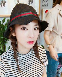 "Dara:""Good afternoon"""