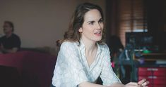 Michelle Dockery to Star Opposite Chris Evans in Apple's 'Defending Jacob' Chris Evans Beard, Chris Evans Funny, Hair Movie, Downton Abbey Movie, Michelle Dockery, Hayley Atwell, Executive Producer, Ruffle Blouse, Photoshoot