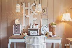 shabby chic romantisch rosa wintergarten interior deko kreidefarbe schreibtisch arbeitszimmer