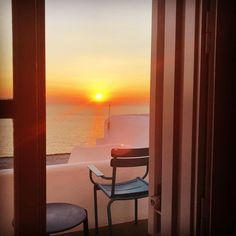 """""""Sunsets are my escape into the reality I want to continuously live""""⠀ _Rachel Roy⠀ 📷 via Mykonos Town, Hotel Suites, Rachel Roy, Greek Islands, Luxury Travel, Best Hotels, Sunsets, Things I Want, Traveling"""