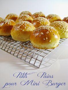 (Petits) Pains Express pour (Mini) Burgers - Karin M. Burger Bread, Burger Party, Mini Bun, Mini Hamburgers, Crostini, Healthy Eating Tips, High Tea, Baking Recipes, Brunch