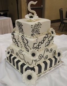 Elegant Modern Black White Square Wedding Cake