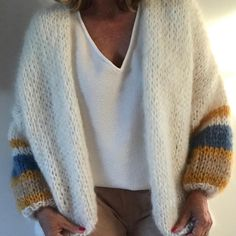 PureMe is a fashionlabel Premium handmade knitwear Designed by me, made for you. Knit Fashion, Look Fashion, Gros Pull Mohair, Autumn Fashion 2018, Mohair Sweater, Sweater Weather, Knitwear, Knit Crochet, Casual Outfits