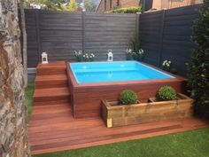 modern above ground pool decks ideas wooden deck round pool lawn stone slabs pool landscaping Hot Tub Backyard, Small Backyard Pools, Small Patio, Fire Pit Backyard, Backyard Patio, Small Backyards, Small Pools, Small Yards, Inground Hot Tub