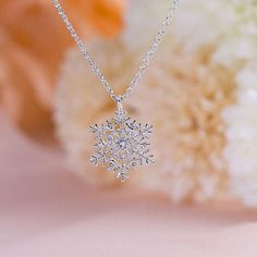 Luxury Crystal Snowflake Pendants&Necklaces Fashion Silver Plated Chain Necklace Gift For Women Female Jewelry Shellhard Colar Fashion, Fashion Necklace, Fashion Jewelry, Fashion Accessories, Silver Necklaces, Crystal Necklace, Gold Necklace, Necklace Chain, Pendant Necklace