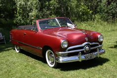 1950 Ford Custom Deluxe V-8 convertible... I love the '50 ford!