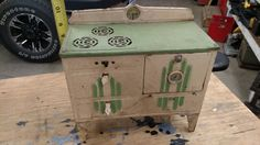 KINGSTON PRODUCTS CORP VINTAGE METAL STOVE, OVEN  MADE IN USA