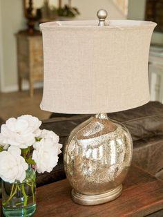 Mercury lamp.  http://heatherbullard.typepad.com/heather_bullard_collectio/page/2/