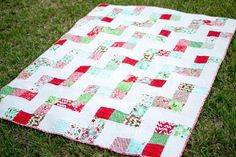 My No Bake Jolly Bar Quilt - free pattern from Fat Quarter Shop! Jelly Roll Quilt Patterns, Easy Quilt Patterns, Sewing Patterns Free, Free Pattern, Free Sewing, Sewing Tutorials, Quilt Tutorials, Sewing Ideas, Fat Quarter Quilt