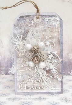 A beautiful Christmas tag from Dorota. A very talented Polish crafter. Love her shabby chic style.