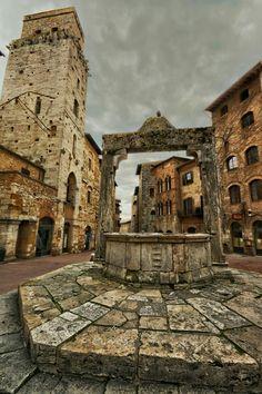 San Gimignano, Italy #iliveitaly