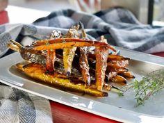 Γλασαρισμένα καρότα με θυμάρι και μπαλσάμικο   Pandespani Cheesesteak, Japchae, Waffles, Vegan, Breakfast, Ethnic Recipes, Food, Recipes, Morning Coffee