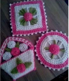 This Pin was discovered by Saf Rugs And Mats, Crochet Kitchen, Pot Holders, Diy And Crafts, Blanket, Knitting, Pattern, Crochet Decoration, Kitchen Playsets
