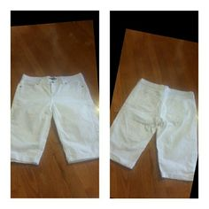 ? FINAL PRICE ? New York and Co White Denim Shorts Size 4 Shorts by New York and Co. ...see pics for details...These shorts have spots at top around waist...see pics New York & Company Shorts Bermudas