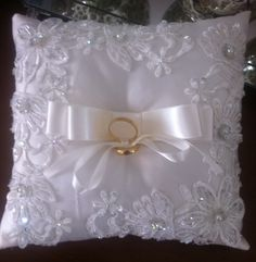 Ring Pillow Wedding, Wedding Pillows, Gold Wedding Decorations, Wedding Crafts, Wedding Events, Wedding Day, Bridal Veils And Headpieces, Blue Suit Wedding, Pronovias Bridal