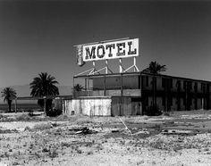 Abandoned Motel- The Salton Sea, USA. Old Abandoned Buildings, Old Buildings, Derelict Places, Abandoned Places, Great Places, Places To See, Cool Pictures, Cool Photos, Salton Sea