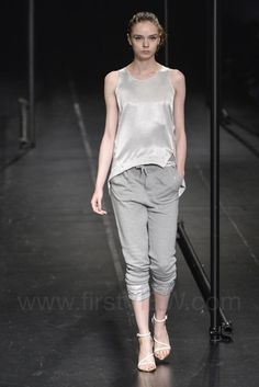 A Degree Fahrenheit - Ready-to-Wear - Runway Collection - Women Spring / Summer 2015 - See more at: http://firstview.com/collection.php?p=0&id=40437&of=12#sthash.7ENfz9El.dpuf